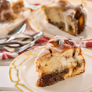 Cinnamon Roll Cheesecake  from Something Sweet--Winnie's Blog