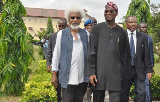 kongi's harvest Plot summary of kongi's harvest, a play by wole soyinka uploaded by nabutsabi on sep 28, 2012 kongi's harvest plot summary kongi's harvest is to be the official start of the five-year plan kongi is the president of isma he has the spiritual leader king danlola under 'preventive detention' (pd) kongi has insisted.