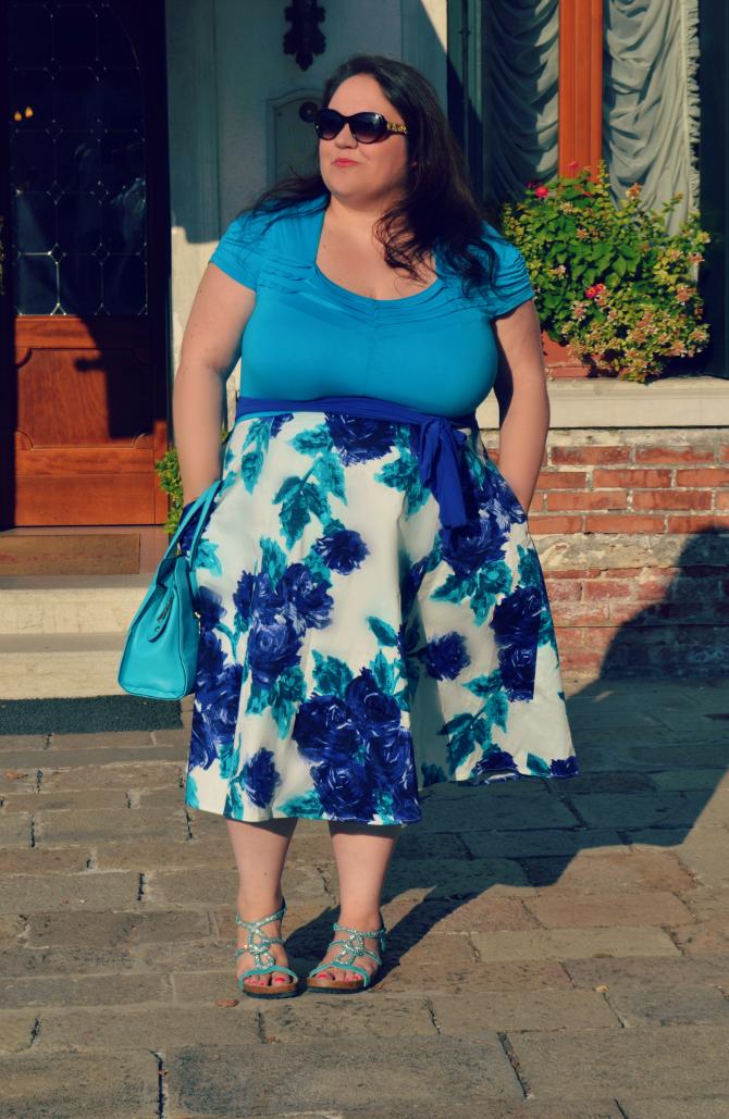 abito retrò azzurro a fiori plus size Igigi