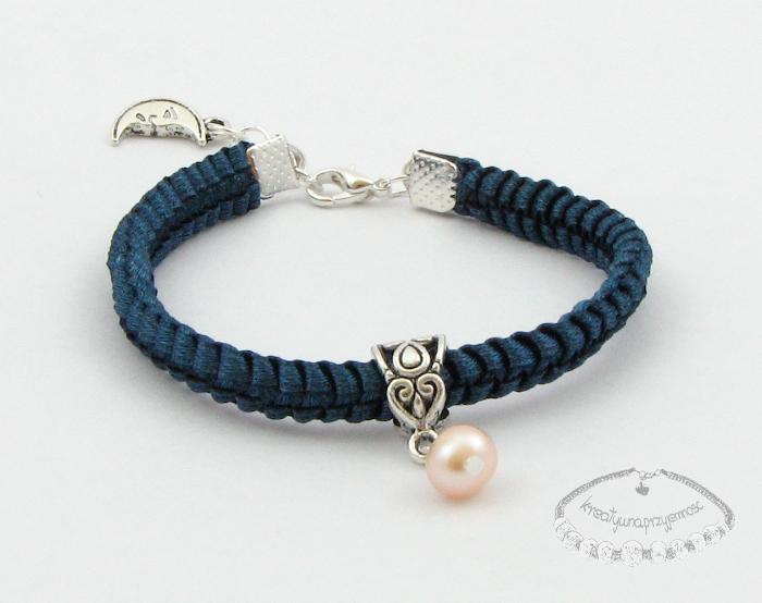 Makramowa bransoletka z perłą 1