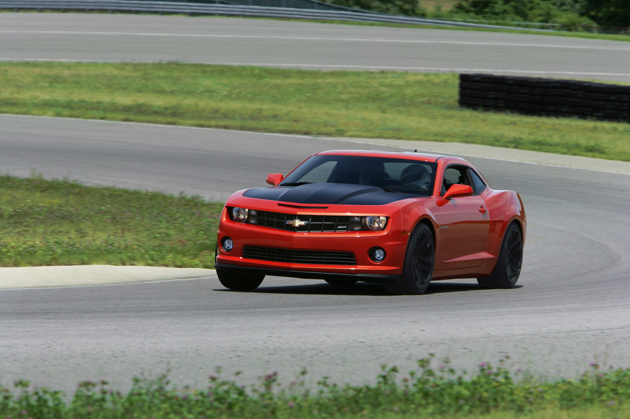 2013 Chevrolet Camaro 1LE red 3