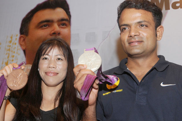 Deepika met Olympic medallists Mary Kom and Vijay Kumar.