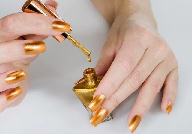 Как сделать маникюр с золотом фото
