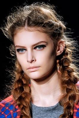 Moderne Frisuren mit Zöpfen 2012