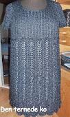 Kjole m. rib og hulmønster