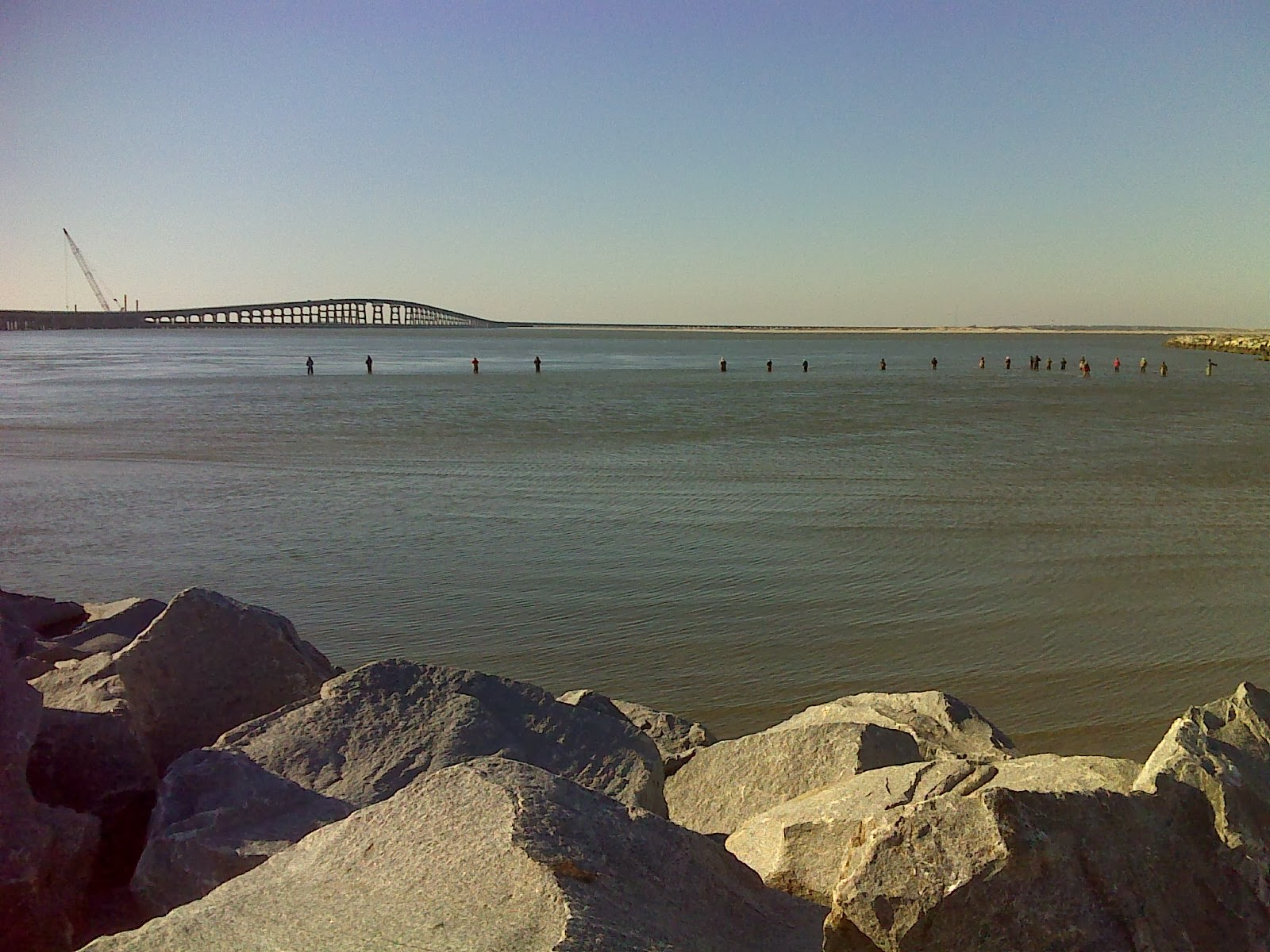 Heart and sole hiking oregon inlet bridge 2 5 mile walk for Oregon inlet bridge fishing report