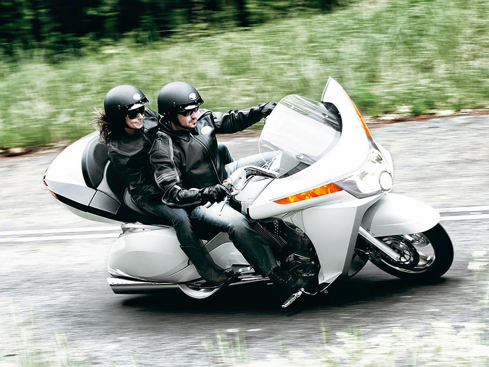 Moto Victory Vision Tour