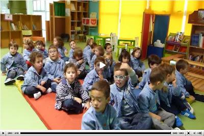 Os nen@s de 5ºA de E.I cantan o himno galego