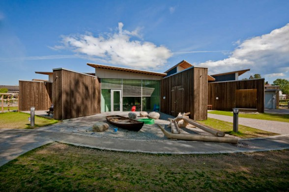 Day care center a modern architectural design is for Modern day house designs