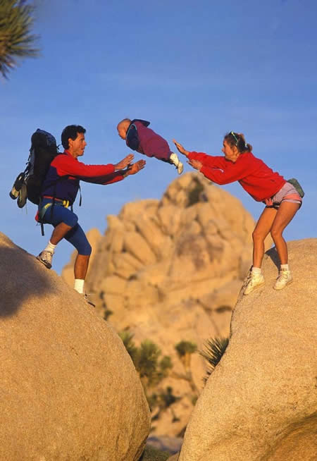 http://2.bp.blogspot.com/-pYVwtqi4cus/TapEq1suoCI/AAAAAAAAEtE/wO6Jha79Bw0/s1600/uphaa-parenting-fail-%25283%2529.jpg