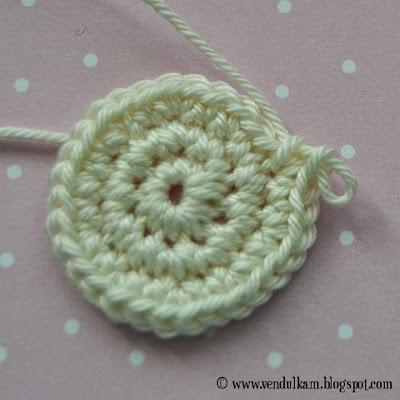 crochet sweet girl applique pattern