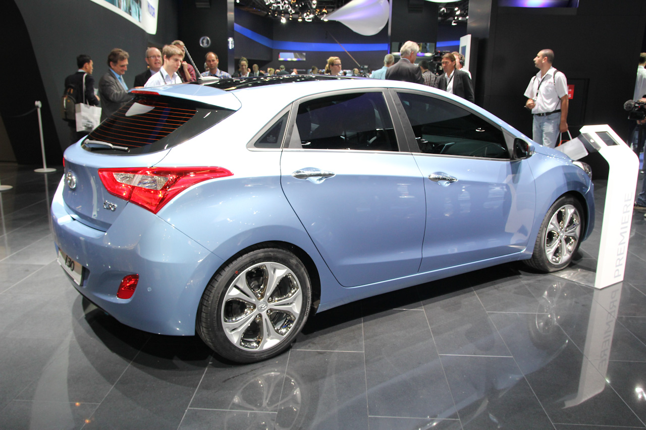 new i30 hyundai appeared on the stand at frankfurt hyundai i30 2012 car. Black Bedroom Furniture Sets. Home Design Ideas
