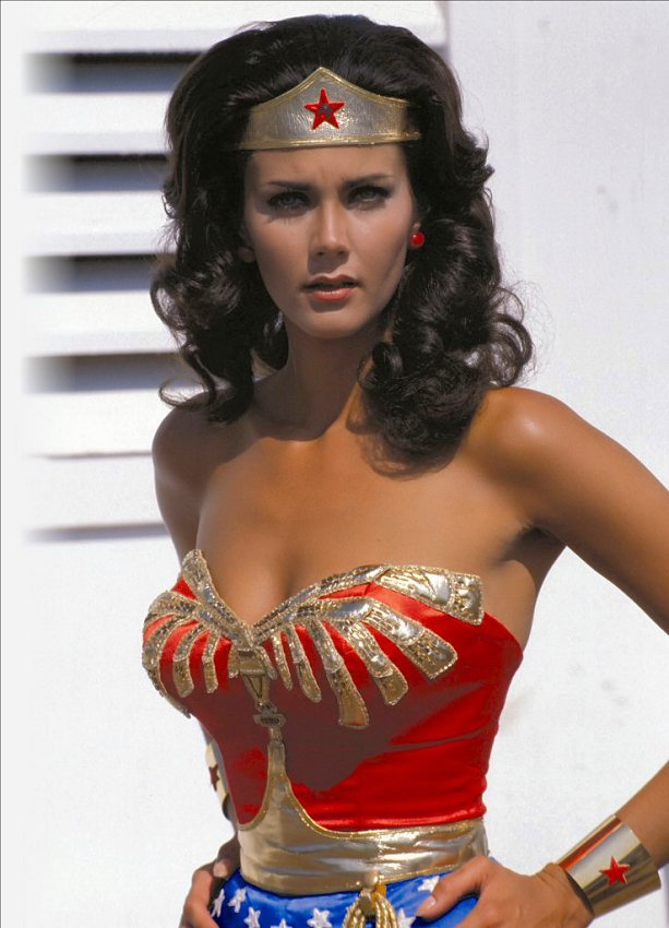 Lynda Carter - Wallpapers