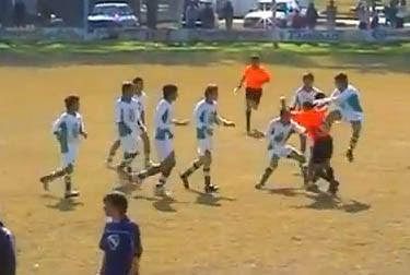 futbol juvenil le pegan al arbitro en santa fe argentina