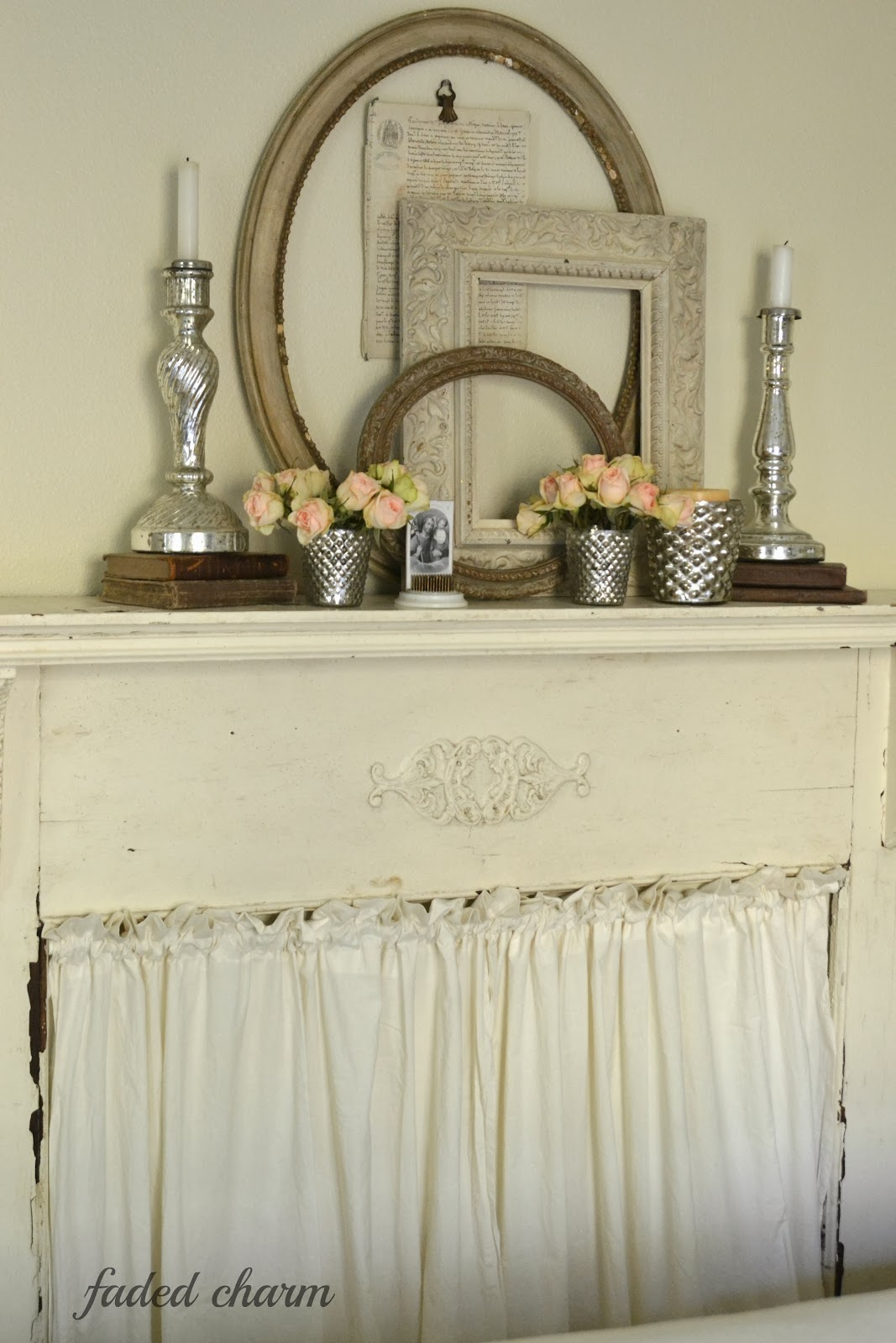 Faded Charm: ~Decorating with Vintage Frames~