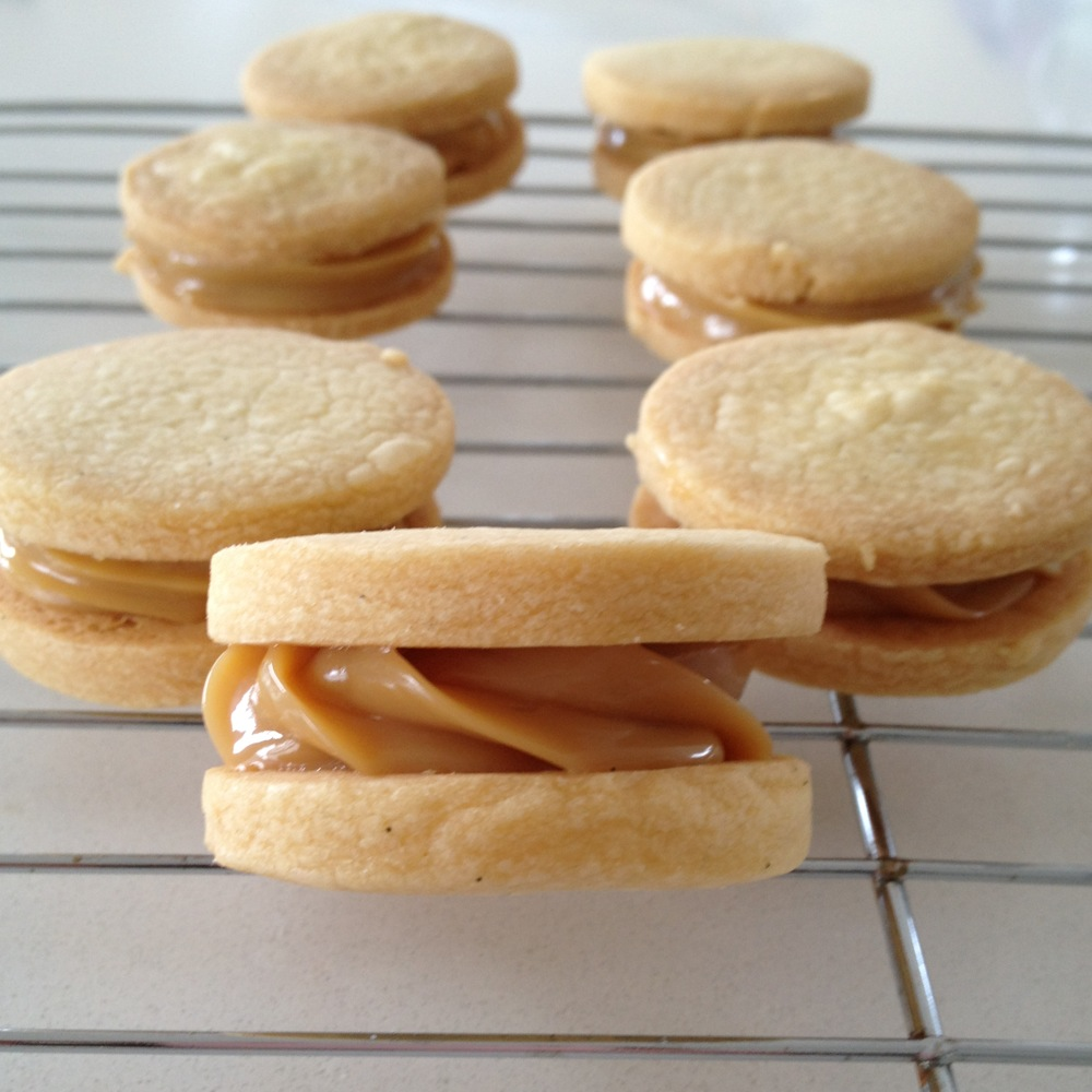 The Misadventurous Maker: Dulce de Leche Shortbread Sandwiches