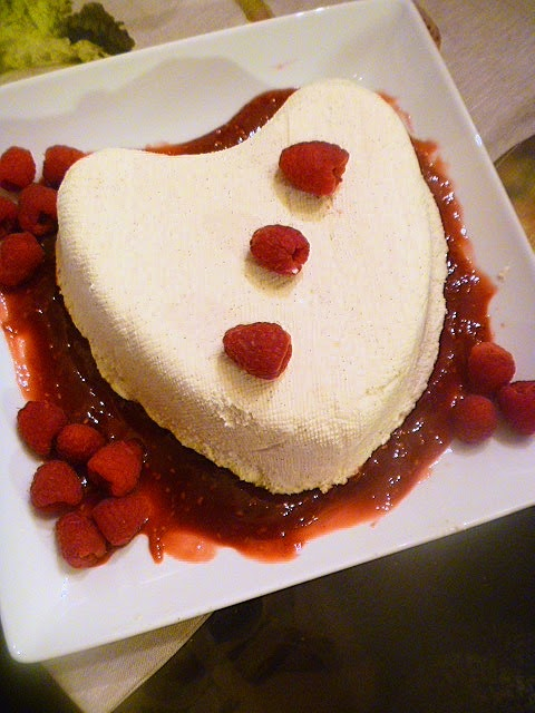 Slice of Southern: Coeur a la Creme with Raspberry Sauce