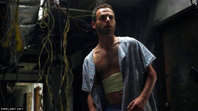 Rick Grimes (Andrew Lincoln) en The Walking Dead 1x01 Days Gone Bye