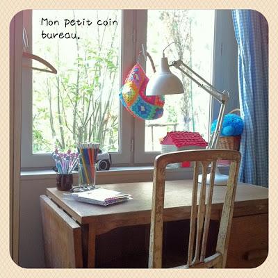 isabelle kessedjian the serial crocheteuses n 103 sur mon bureau. Black Bedroom Furniture Sets. Home Design Ideas