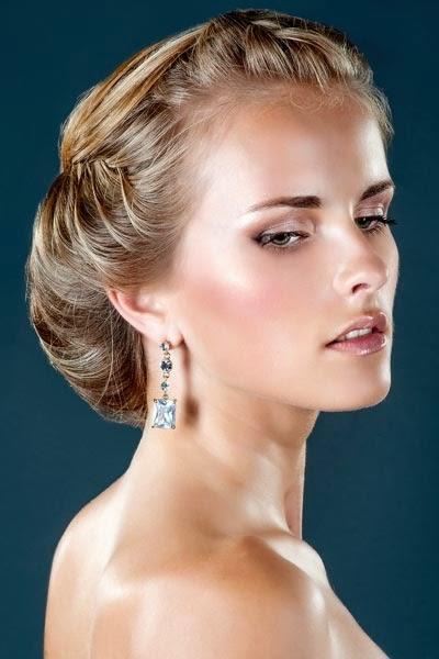 las ventajas del peinado recogido lacioson infinitaspuedes combinarlo como quierasobteniendo un resultado victorioso