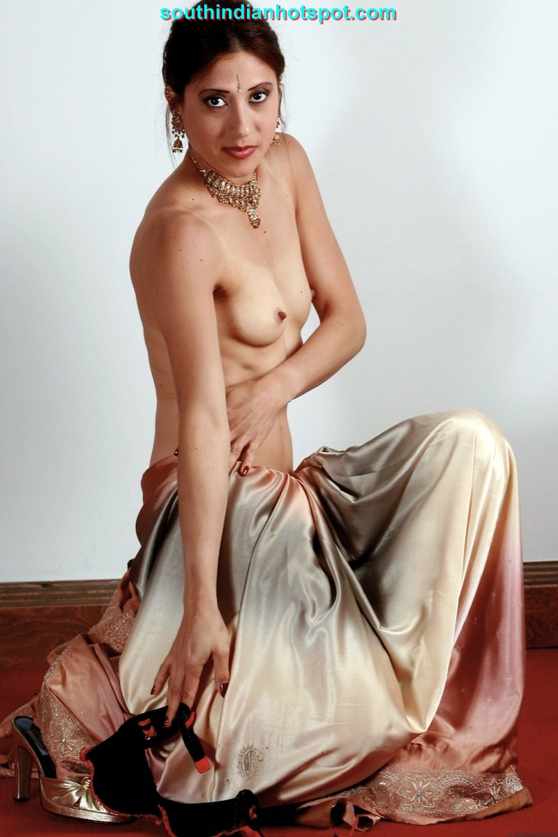 Girl in saree nude indian