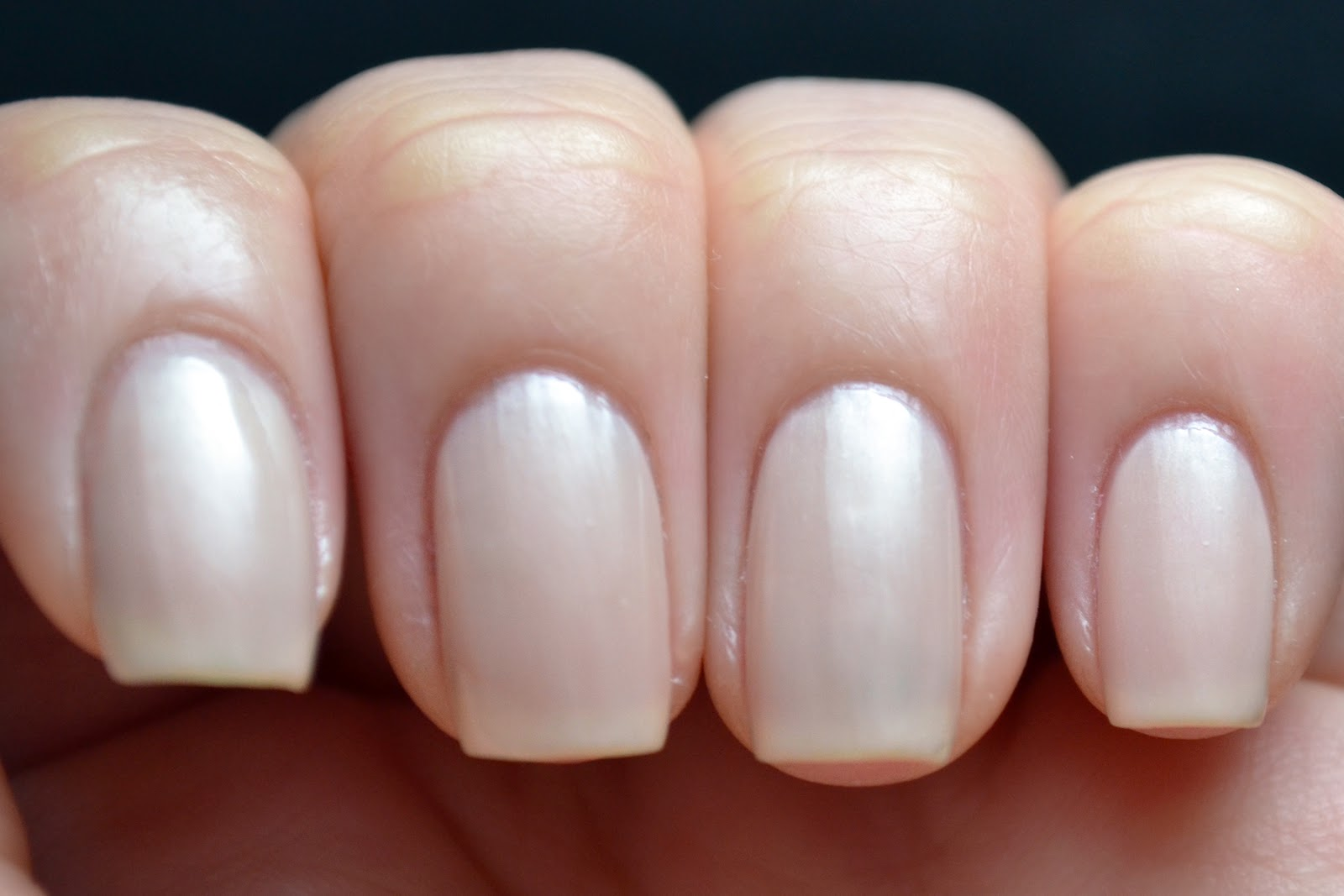 Glitter and gloss nails sally hansen complete salon for Salon manicure