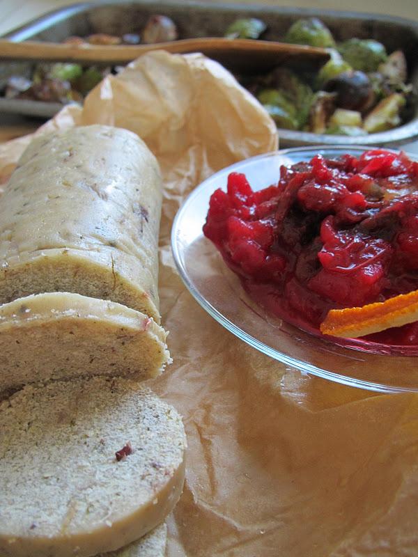 Cranberry, Date and orange sauce