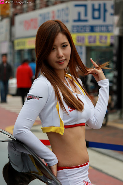 Song-Jina-Daegu-Street-Motor-Show-03-very cute asian girl-girlcute4u.blogspot.com