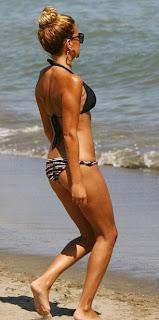 Sylvie Van Der Vaart bikini, Sylvie Van Der Vaart beach