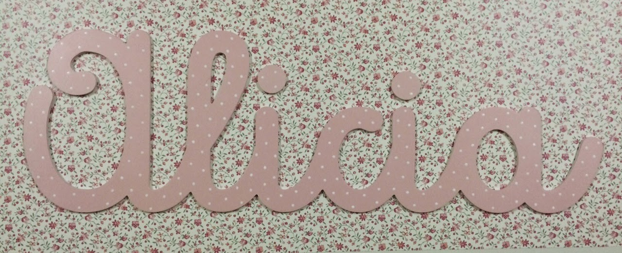 letras-Alicia-rosas-decoración-infantil