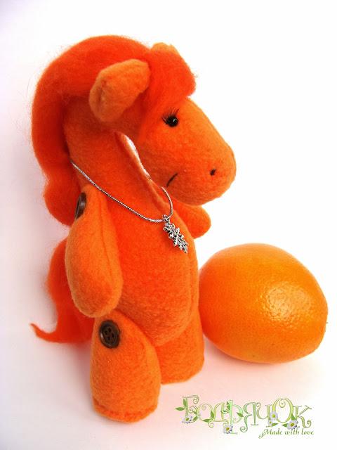 лошадь подарок к новому году