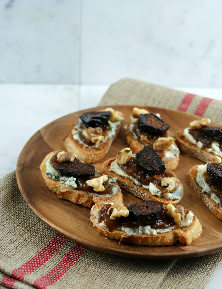Blue Cheese And Fig Jam Crostini Recipe — Dishmaps