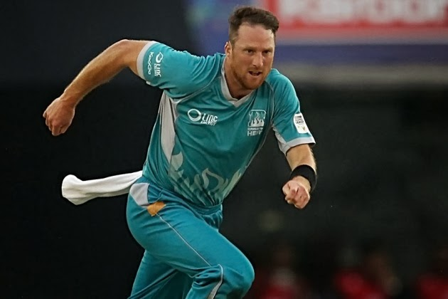 Matthew-Gale-Titans-vs-Brisbane-Heat-M6- CLT20-2013