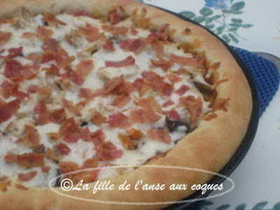 PIZZA AU POULET SAUCE BARBECUE