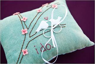 Porta alianças Bordado com flores de cerejeira