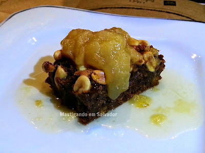 Riz Bistrot & Risottos: Brownie de Paçoquinha com Calda de Cupuaçu