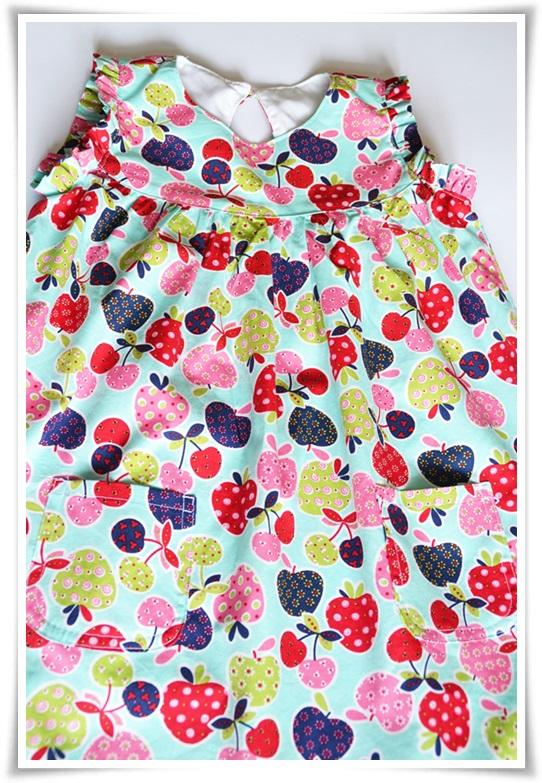 madelaine-himmmelblau: Ein wunderschönes Sommerkleid für Mädchen!!