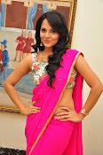Anasuya dazzling saree photos-thumbnail-15