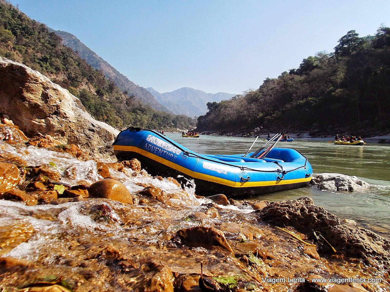 Relato de viagem à Rishikeshi, aulas de ioga, rafting e Haridwar, norte da Índia, próximas à cordilheira do Himalaia.