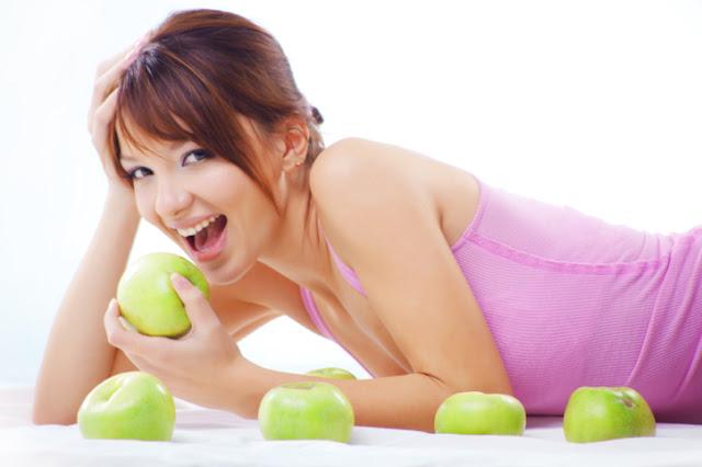 Cara diet yang baik,olahraga dan makan buah apel