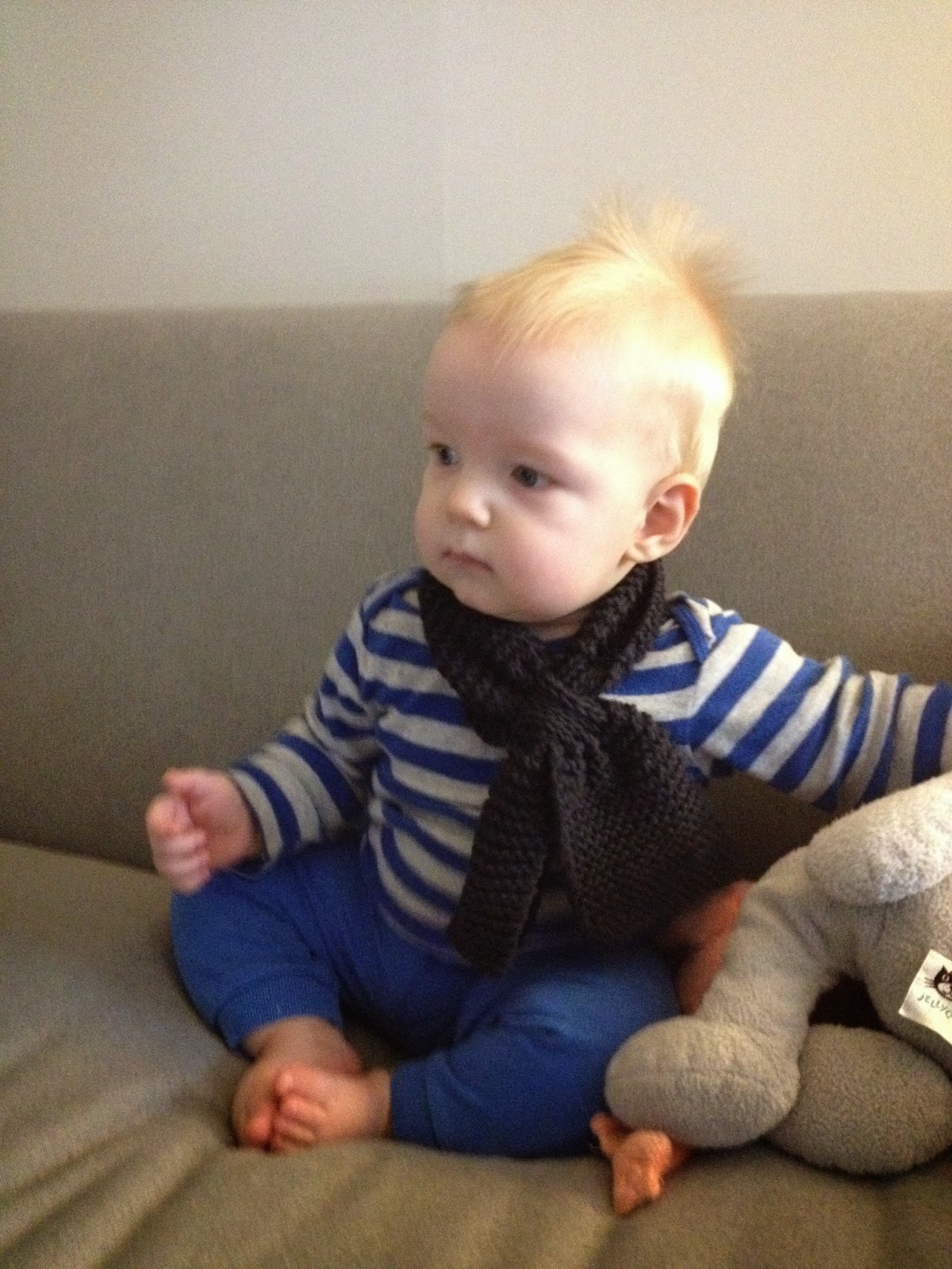 Tiptoethrough: Boy\'s Baby and Toddler Scarf Knitting Pattern