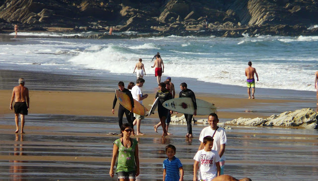 surfista en la arena 02
