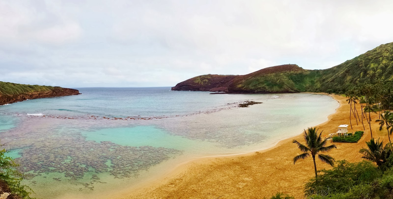 The stunning Hanauma Bay in Hawaii. Photo: Just J
