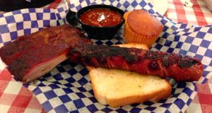 Famous Dave's hot link barbecue Little Rock