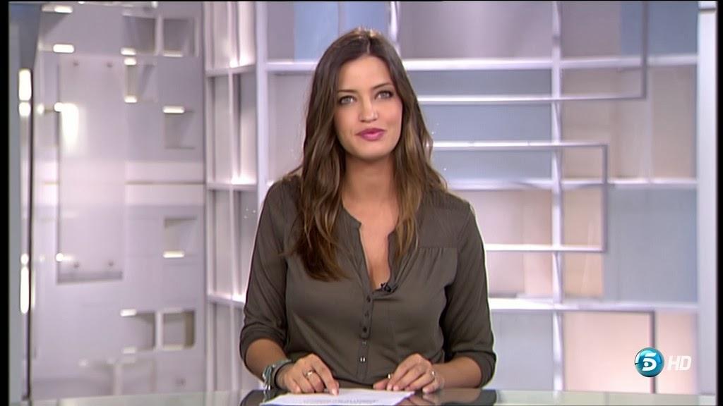 SARA CARBONERO, INFORMATIVOS TELECINCO (01.10.13)