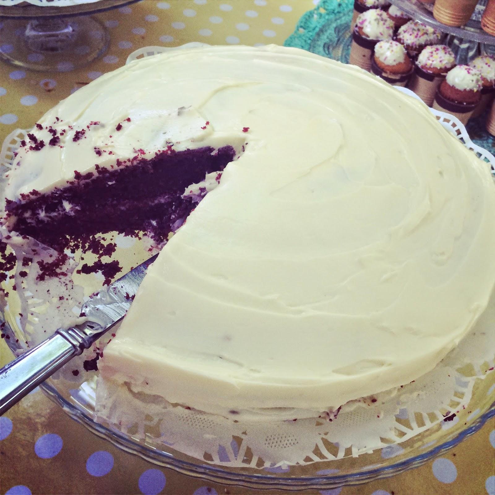 tarta red velvet con frosting de chocolate blanco las tartas de zarina