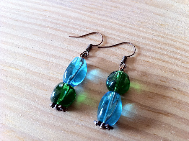 nr011-non-identical-mismatched-earrings
