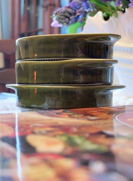 Midcentury bowls and cookbook