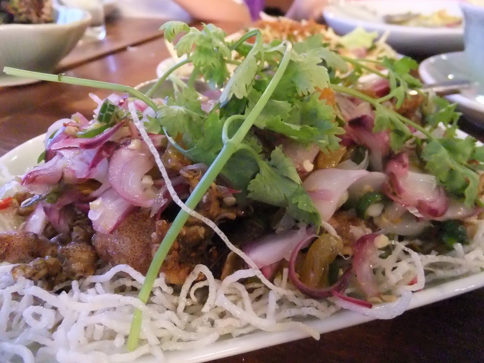 Happy happy thai cuisine sri ayutthaya wangsa maju for Ayutthaya thai cuisine bar