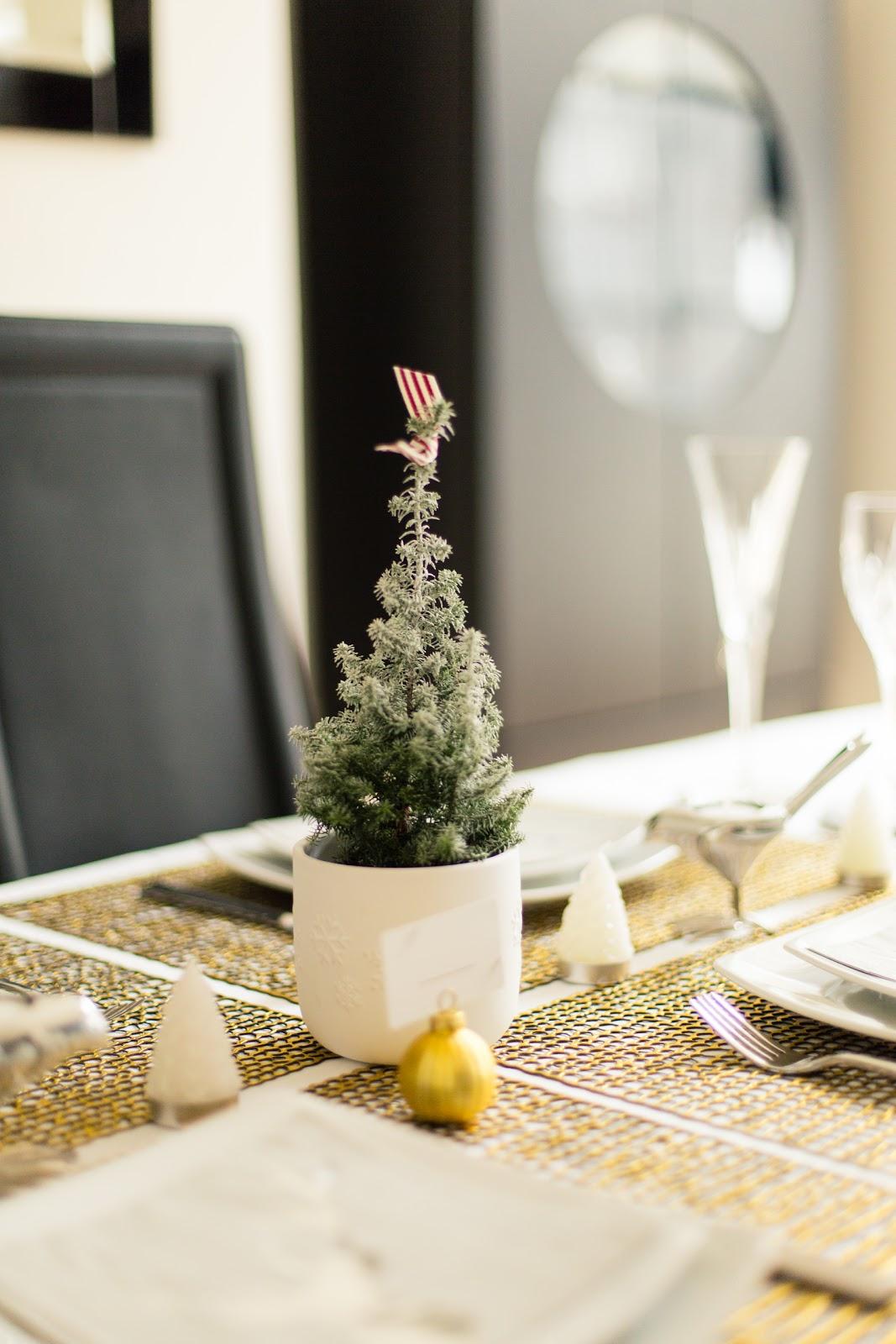 VINTAGE INSPIRED CHRISTMAS TABLE SETTING | FINNTERIOR DESIGNER on